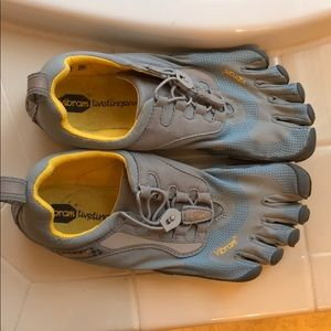 Vibram Fivefingers Grey/Yellow/Blue Athletic Shoes